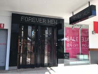 gloss-finish-shopfront-signage-gold-coast